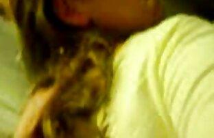 Adolescente cachonda sexo español online disfruta de su primera gran polla