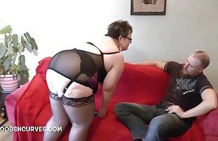 Sexy asiática con tacones rojos en la cama masturbándose con un videos xxx gratis en español latino gran consolador rojo