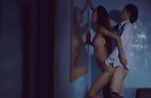 Skye West hentai porno latino frotando su coño rosado